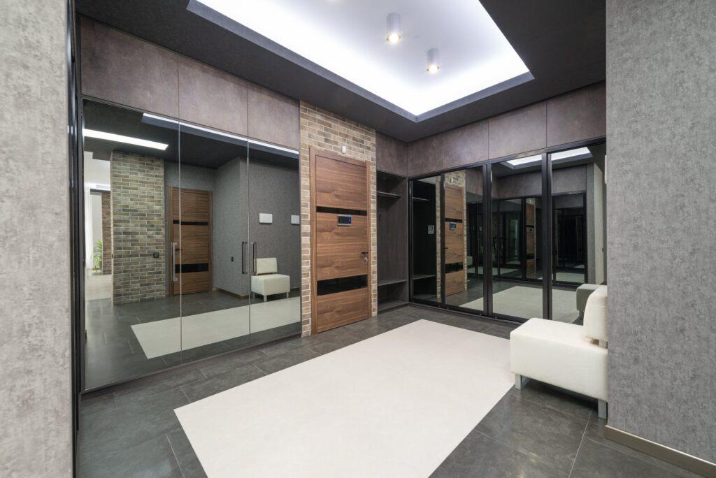Kakovostna montaža vhodnih vrat